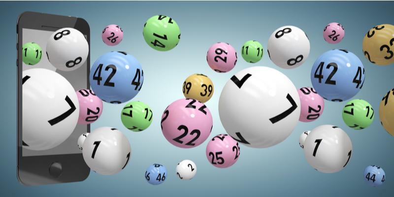 Zz mobilu letiace lotériové loptičky