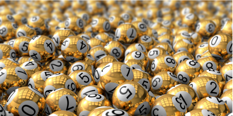 zlaté lotériové loptičky